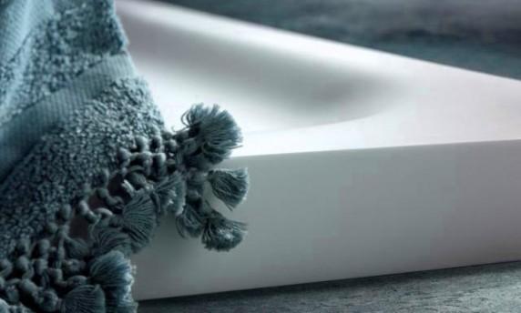 piatto doccia irregolare 70x : ... piatto doccia in un bagno dalla geometria irregolare ? diventato un
